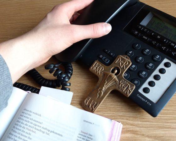 ACHTUNG: NEUE EINWAHLNUMMER FÜR TELEFONGOTTESDIENSTE